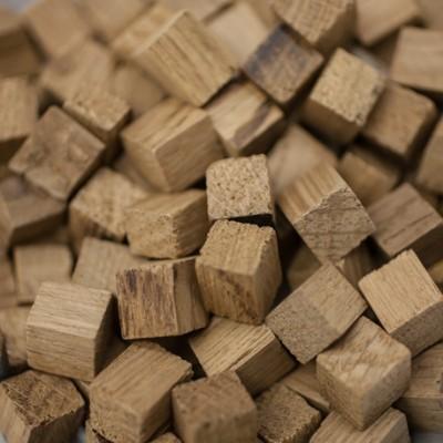 Chêne français - chauffe : légère - taille : cube - 25 kg - SA